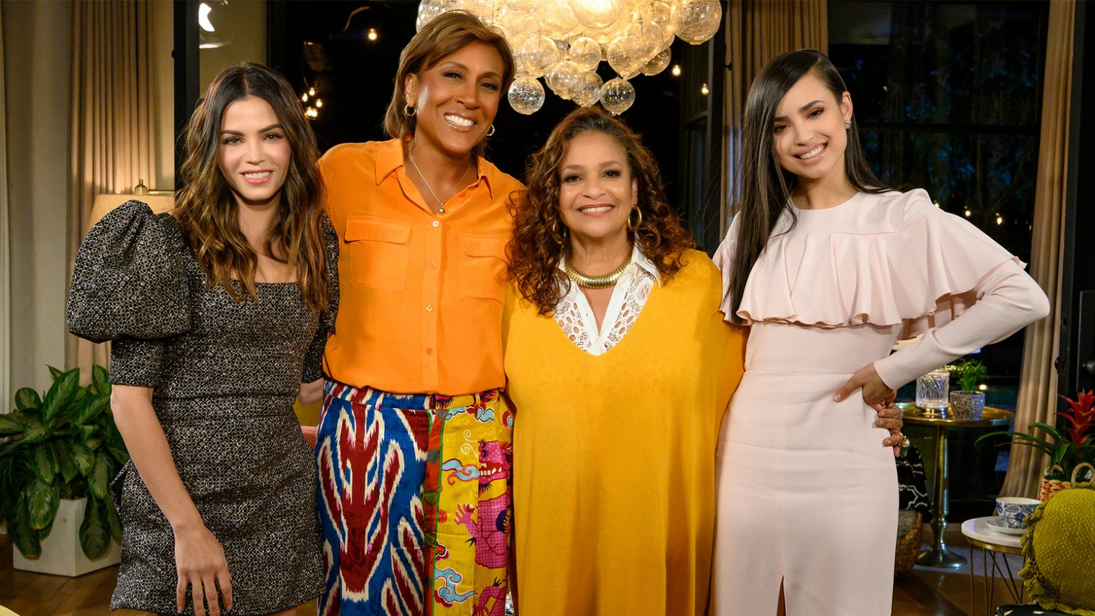 robin-roberts-is-'turning-the-tables'-with-female-celebrities-in-new-disney+-show