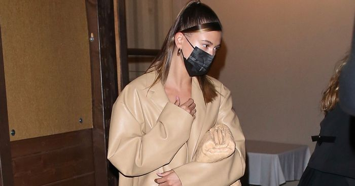 all-the-2021-celebrity-outfits-that-have-people-talking-(ourselves-included)