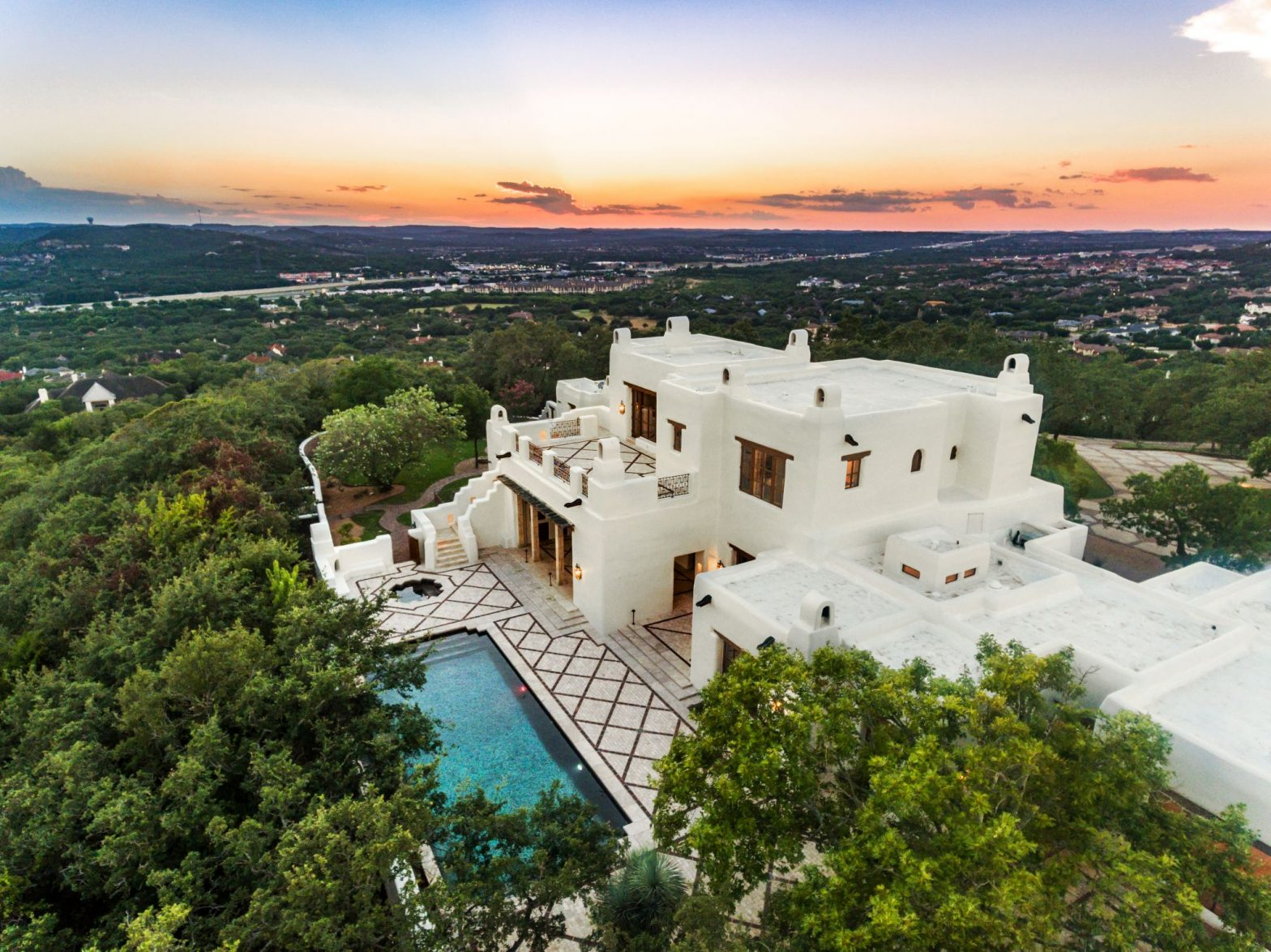 texas-homes-once-occupied-by-beyonce,-george-strait-and-other-celebrities