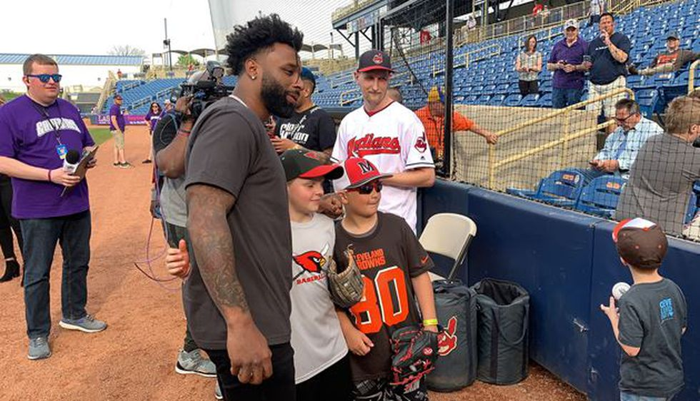 jarvis-landry's-celebrity-softball-game-brings-stars,-crowds-to-classic-park