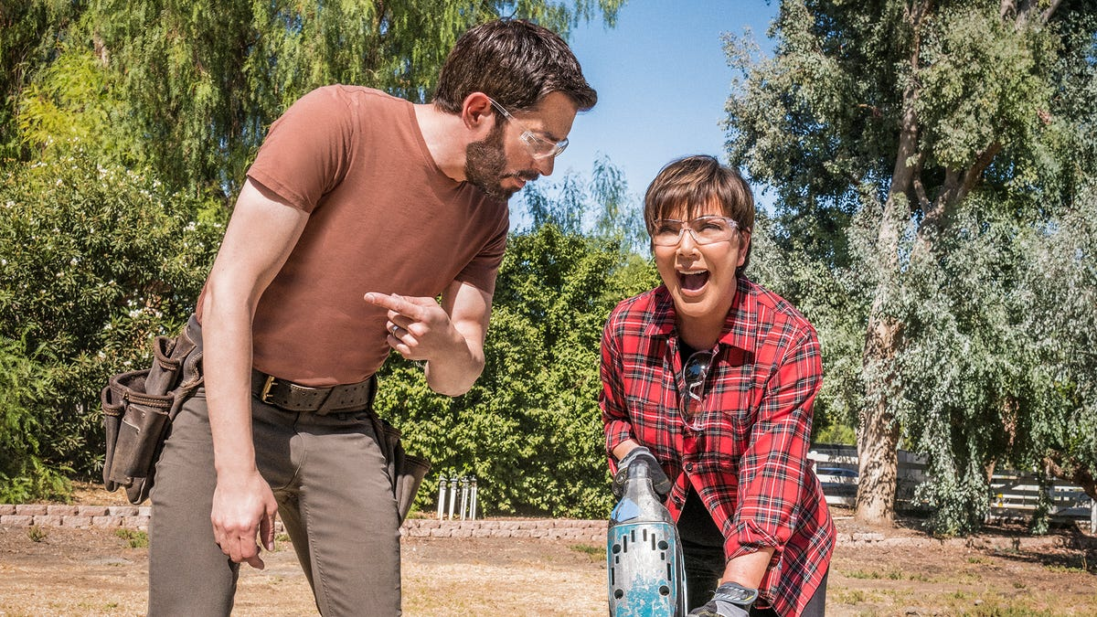 'i-like-to-get-down-and-dirty':-kris-jenner-helps-scotts-kick-off-new-'celebrity-iou'-episodes