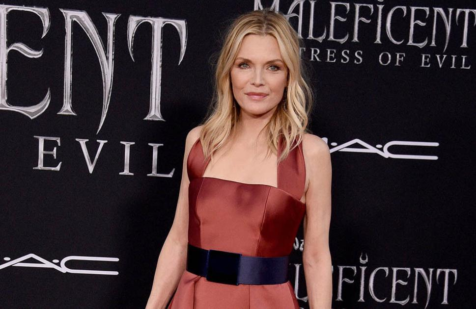 michelle-pfeiffer-enjoys-getting-to-smoke-for-her-roles