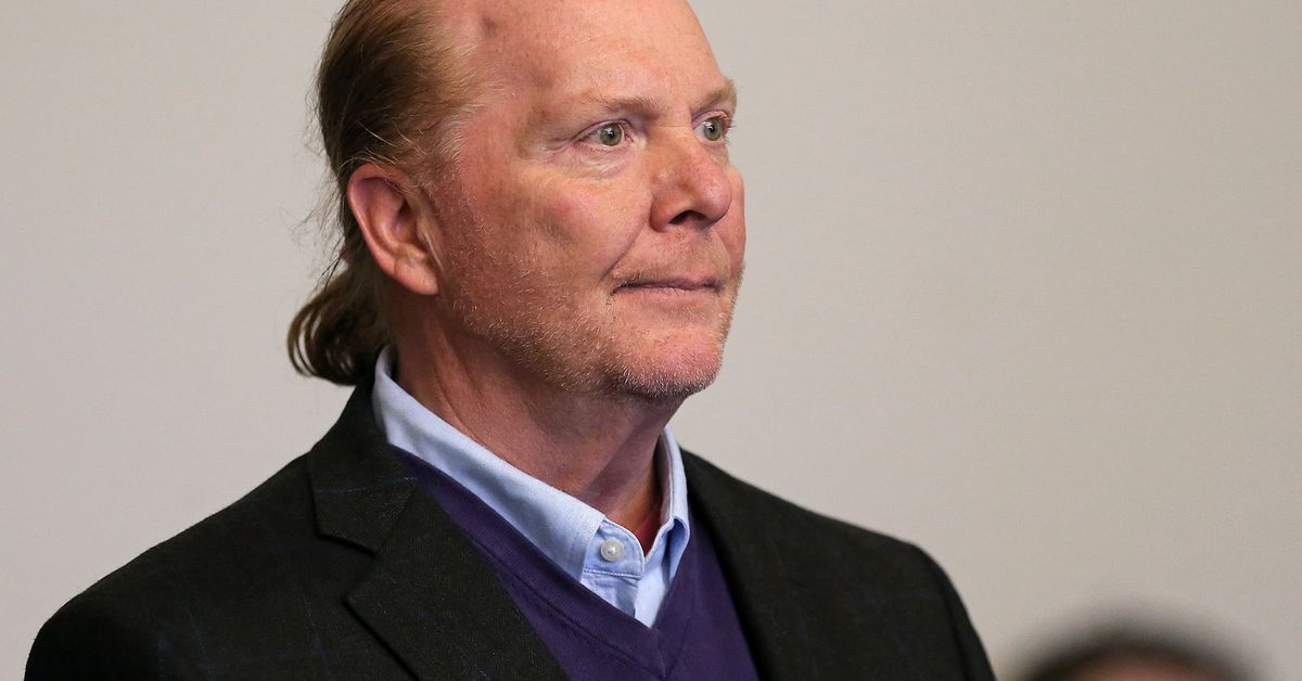 celebrity-chef-mario-batali-agrees-to-$600000-settlement-over-sexual-harassment
