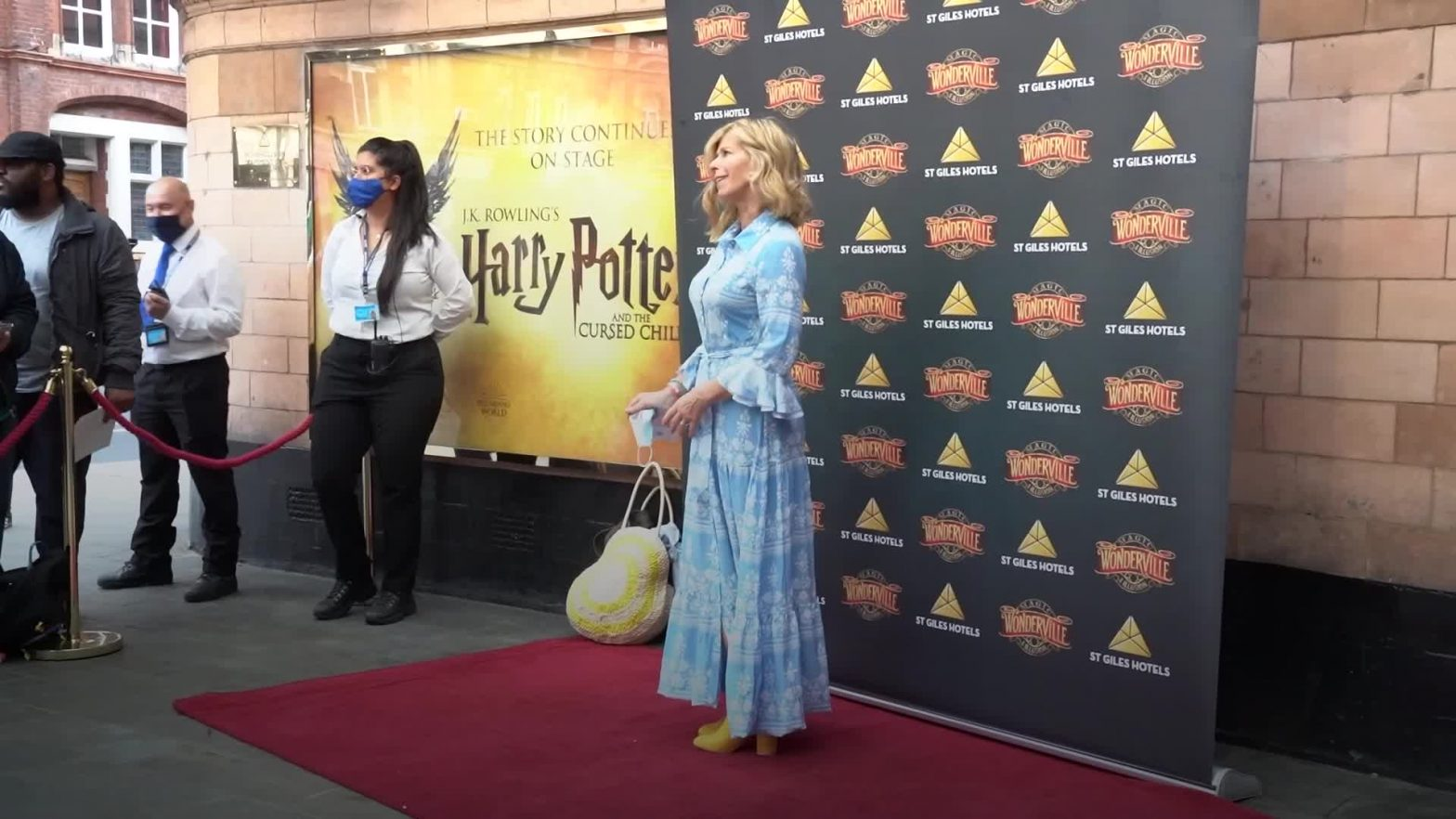 celebrities-hit-the-red-carpet-as-magic-and-illusion-show-wonderville-opens