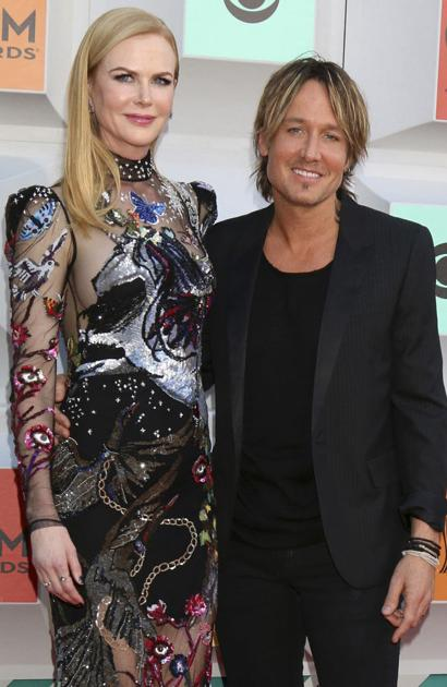it's-pretty-sexy!-celebrities-open-up-about-their-long-distance-relationships